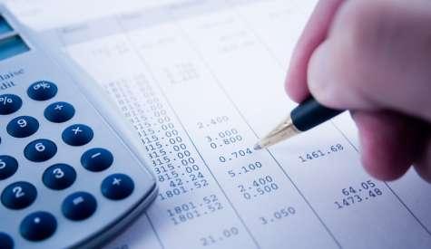 Stipendi: addio ai pagamenti in contante